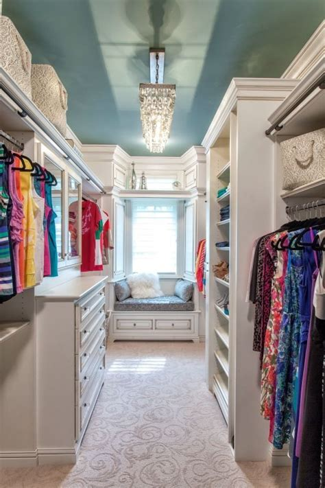 Should Closets Be Painted White by 25 Best Ideas About Ceiling Paint Colors On
