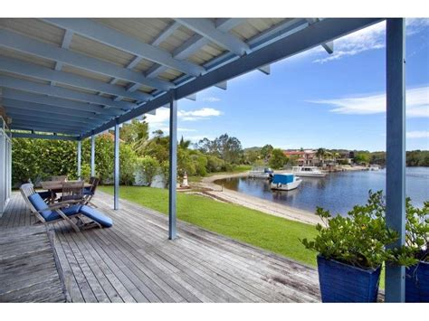 11 dolphin crescent noosa sound qld 4567 property details