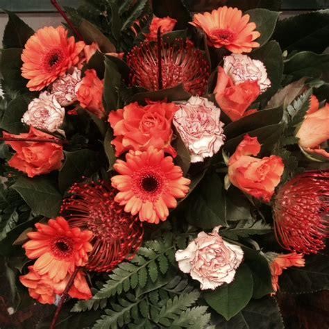 bloemen bezorgen in restaurant oranje boeket rozen gerbera s anjers bloemenkiosk jan