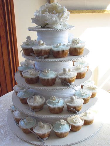 Wedding Cake Vs Cupcakes by Wedding Cake Vs Wedding Cupcakes Hudson Valley Ceremonies