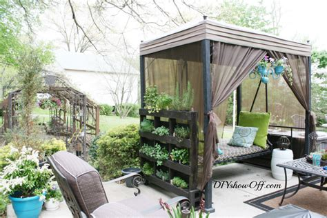 Diy Freestanding Vertical Garden Free Standing Pallet Herb Garden Page 2 Of 2 Diy Show