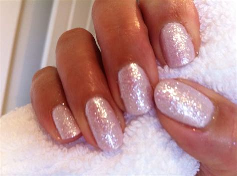 Cnd Nails by Cnd Shellac In Cakepop With Lecente Glitter Lecente
