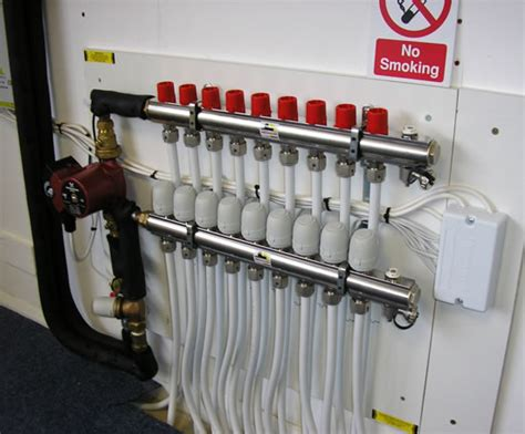 Underfloor Heating Plumbing by Underfloor Heating Manifolds Robbens Systems Esi