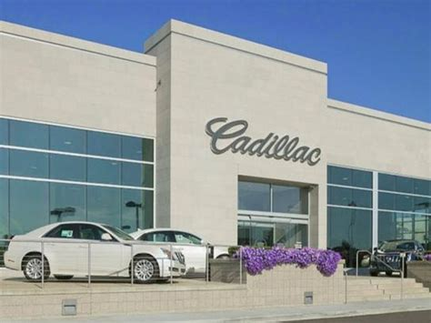 Suburban Cadillac Troy Mi by Suburban Cadillac Buick Car Dealership In Troy Mi 48084