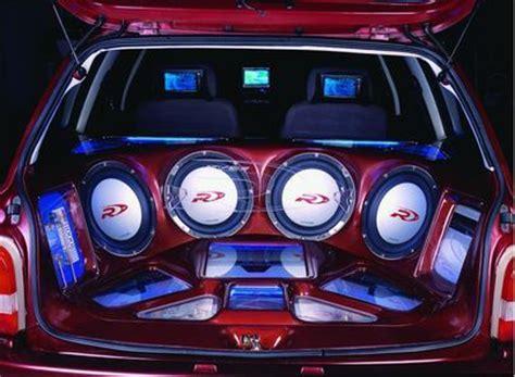 Handcrafted Car Audio - lontan dagli occhi la casa di roberto