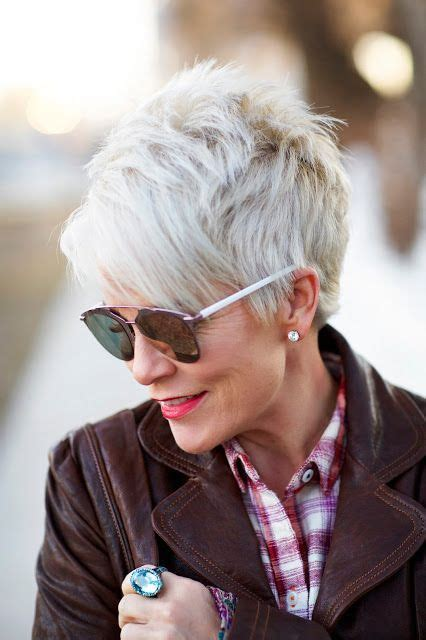 highlighting pixie hair at home pixie cuts for older women love short hair pinterest