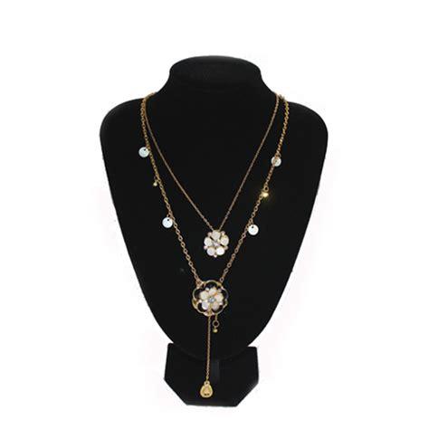 quality black velvet necklace pendant display bust neck
