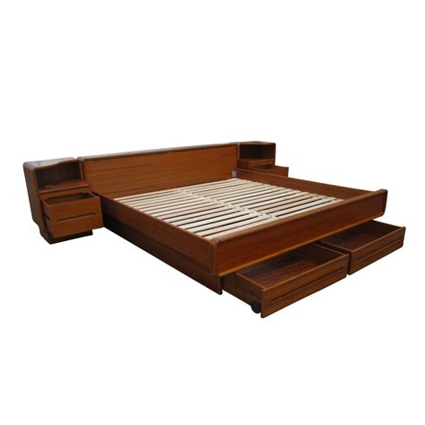 Teak Platform Bed Midcentury Retro Style Modern Architectural Vintage Furniture From Metroretro And Mcm Consignment