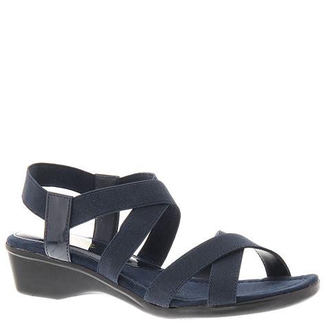 mootsie tootsie shoes mootsies tootsies naylorr s sandal