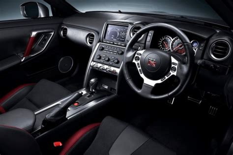 nissan skyline 2014 interior 2014 nissan gt r vs bmw m6 0 60 mph mile high mashup
