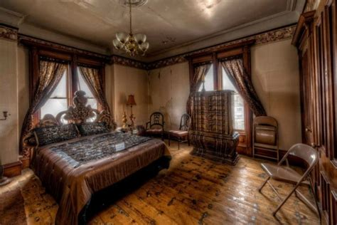 haunted mansion bedroom 1875 mansion is being sold for dirt cheap but no one
