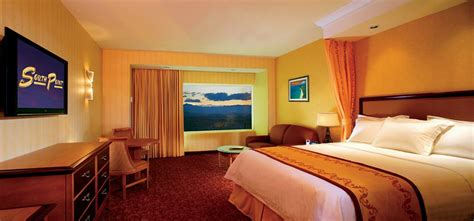south point hotel rooms south point hotel casino and spa hotel deals reviews las vegas redtag ca