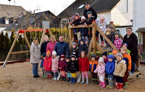 neue spielgeraete fuer katholische kindertagesstaette