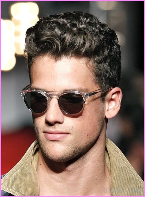 Hairstyles For Guys With Thick Hair by Haircuts For Guys With Thick Curly Hair Stylesstar