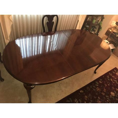extendable thomasville dining room table  matching