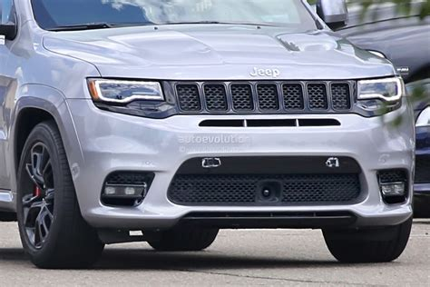 badass jeep grand cherokee 2018 jeep grand cherokee trackhawk spied looks ready to