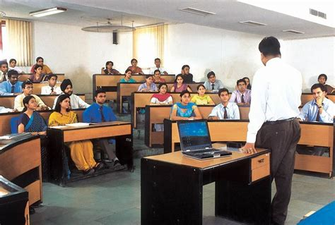 Amity Executive Mba by Amity Business School Abs Noida Images Photos