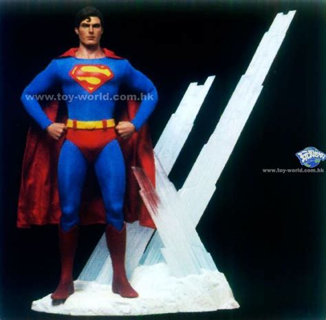 christopher reeve hot toys hot toys superman christopher reeve figure