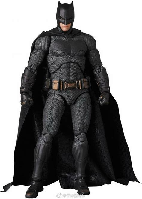 Mafex Batman Of Justice photos of upcoming mafex justice league flash batman and