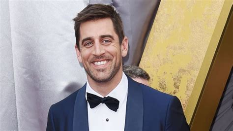 images of aaron rodgers aaron rodgers hasn t spoken to his family in 2 years