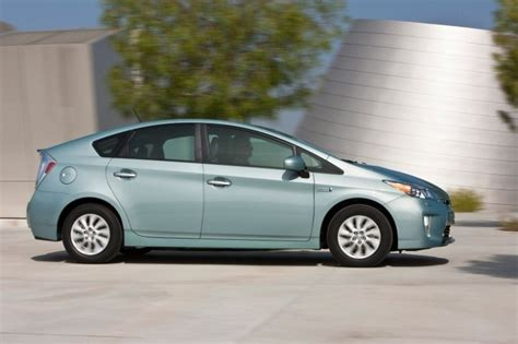2013 Toyota Prius Mpg Toyota Launches 2013 Prius In Mpg Challenge