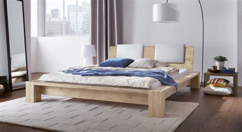 bett erhöhen schlafzimmer wandfarbe gelb