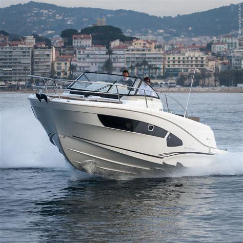 speed boat hull cap camarat 10 5 wa multitasking walkaround boats