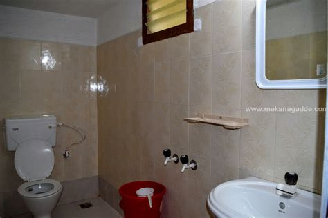 guest room bath in writer s home houses for rent in newport homestay mekanagadde homestay chikmagalur homestay