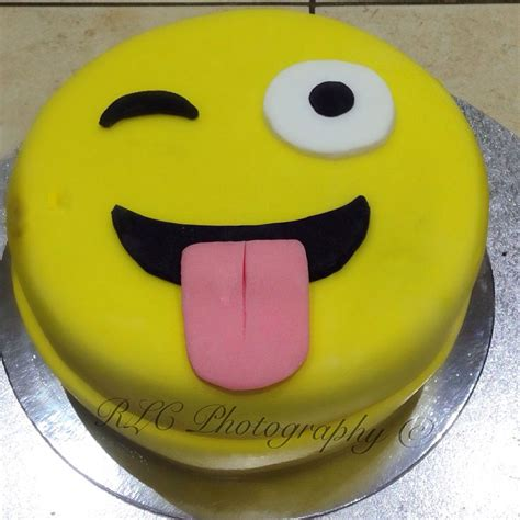 emoji cake 17 best images about emoji cake ideas on pinterest