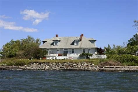 house island maine maine s house island is site of 19th century fort immigration center realtor com 174