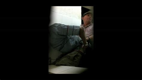 mens bathroom spy mature men homens maduros 2 janeiro 2012