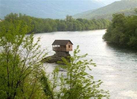 these isolated houses are for introverts