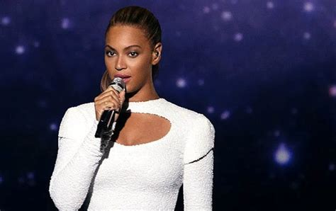 beyonces world humanitarian day message video beyonce debuts i was here video plus valerie