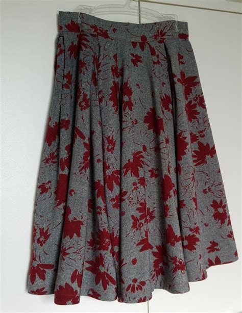 sew scoundrel a circle skirt that s also pleated a