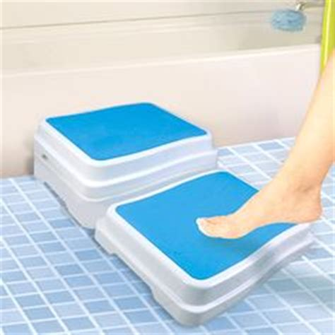 bathtub steps for elderly 1000 images about bathtub stool on pinterest bathtubs