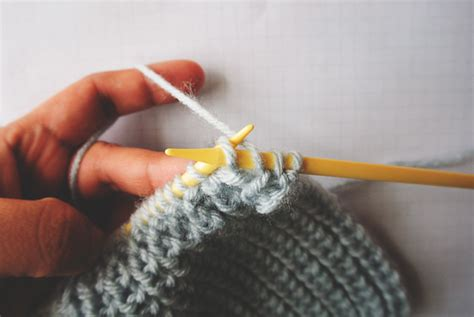 how do i add a stitch in knitting half brioche stitch knitting tutorial