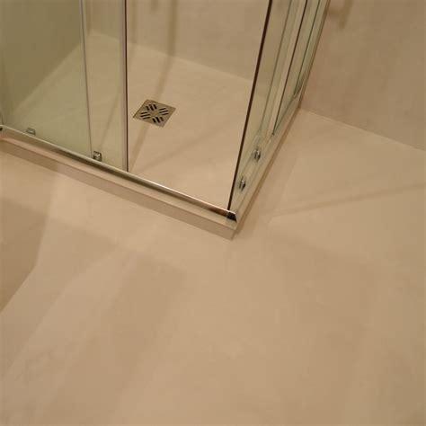 pavimento doccia piatto doccia e pavimento in resina spatolata