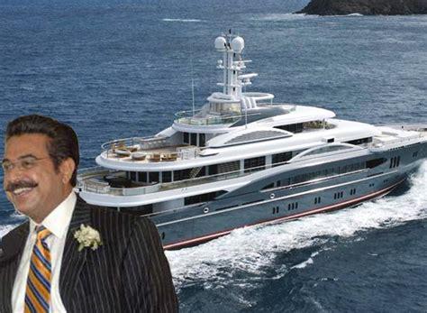 the boat jaguars jacksonville jaguars shahid khan is selling his 112