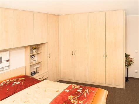 schlafzimmer doppelbett stunning schlafzimmer mit bett 252 berbau images globexusa