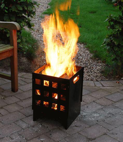feuer im feuerkorb feuerkorb cubus jetzt kaufen baldur garten