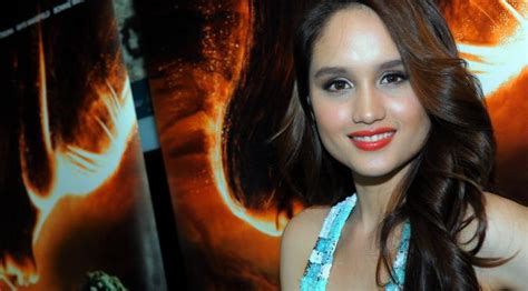 film yang dibintangi oleh cinta laura cinta laura main prekuel film harry potter showbiz