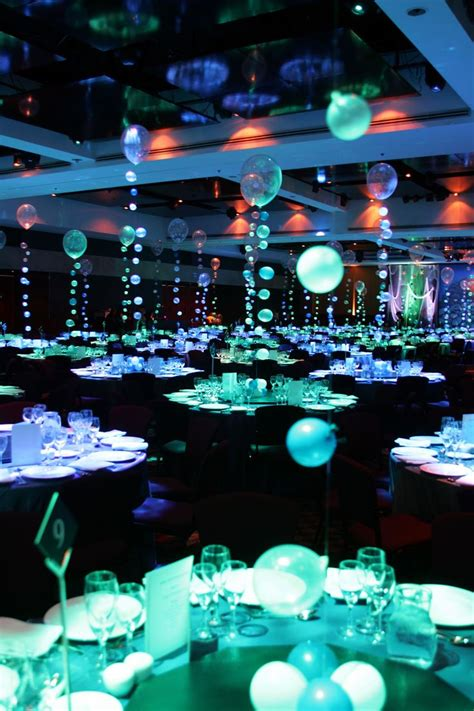 choosing the colors prom decorations for teenagers the