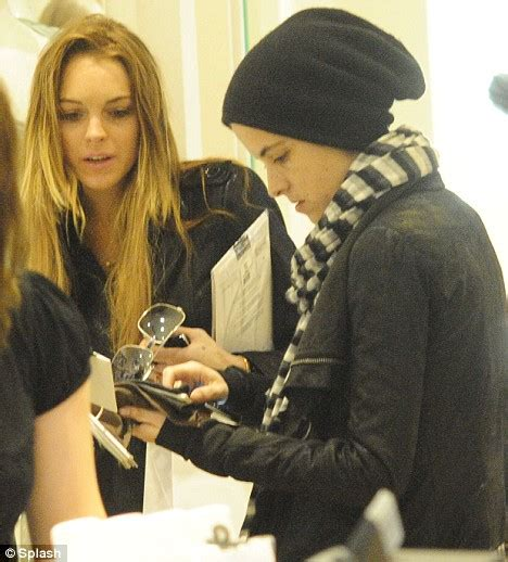Lil And God Lindsay Lohan by Lindsay Lohan Visits Synagogue After She Attempts To