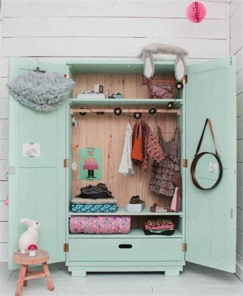 penderie chambre enfant 17 meilleures id 233 es 224 propos de armoires verts sur