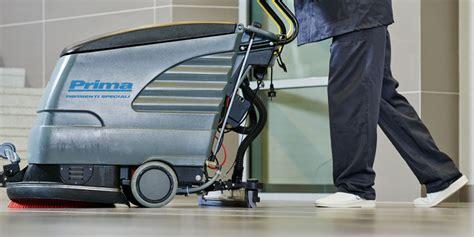 macchine per pulizia pavimenti pulizia pavimenti in resina con macchina lavasciuga e