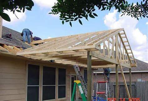 building  gable pergola attached   house decor
