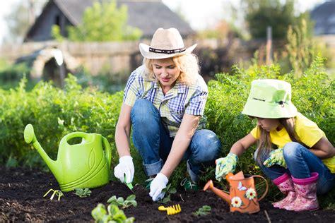 the family garden how to grow vegetables veganically