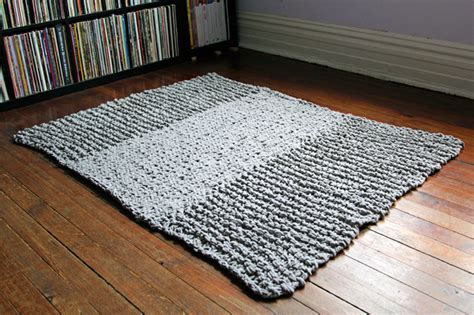 How To Knit A Rug by Bulky Knit Rug Pattern Free Knitting Pattern