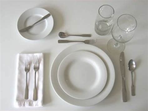 how do you set a table table setting and meal service