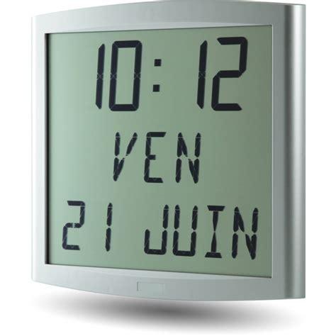 horloge murale avec date et jour horloge cristalys date piles d time